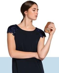 Luce tus brazos con tu vestido favorito.